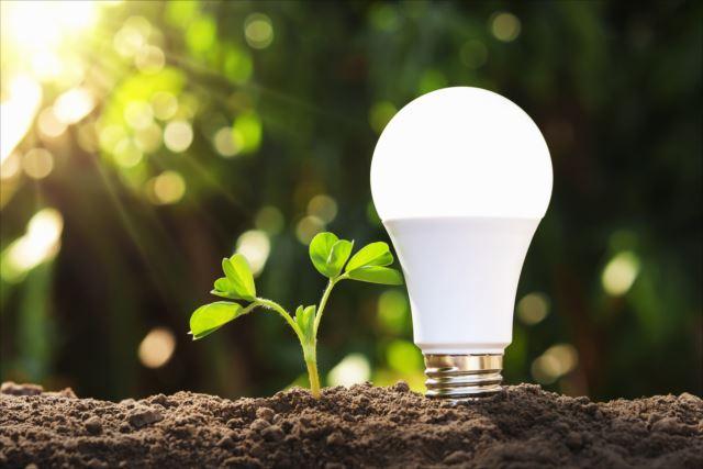 LED電球は寿命が長く屋外にも設置しやすいのがメリットです!